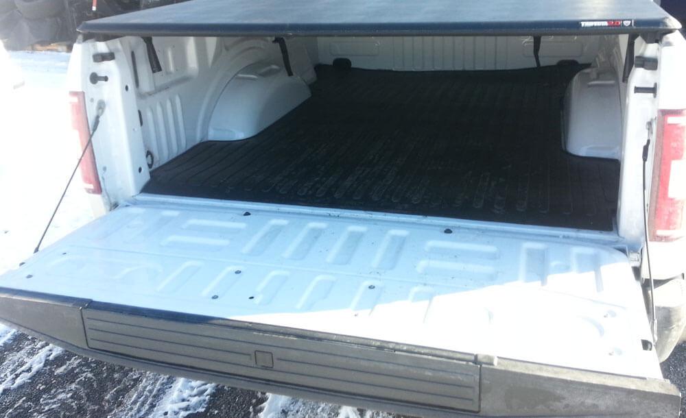 TrailFX nerf bars | TrailFX bedmat | Extang tonneau cover