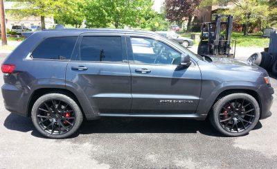 SRT wheels Parada tires