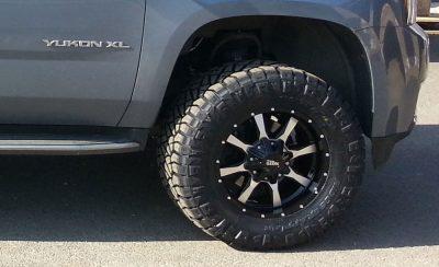 Moto Metal wheels and 33 inch Nitto Ridge Grappler tires